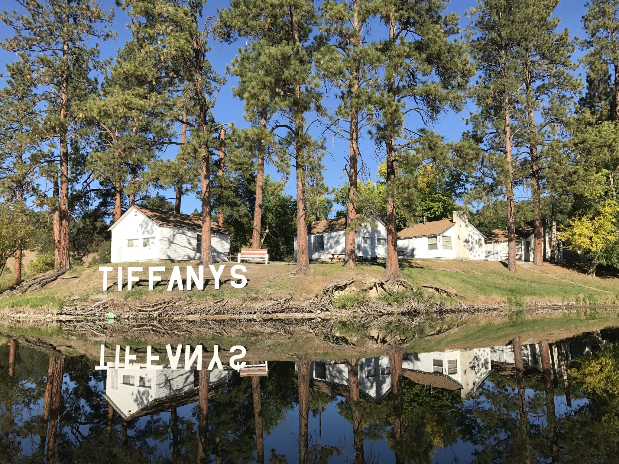 One Bedroom Double Cabins at Tiffanys Resort Curlew Lake