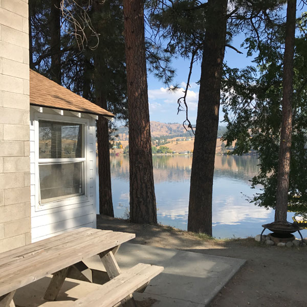 Two Bedroom with Fireplace Tiffanys Resort Curlew Lake